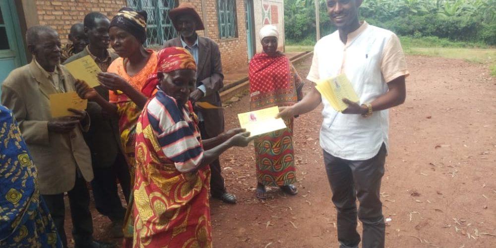 BURUNDI : Distribution de cartes CAM aux vulnérables à GASORWE / MUYINGA