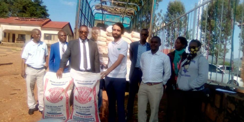 BURUNDI : Don de ONE ACRE FUND aux riziculteurs de MURAMVYA