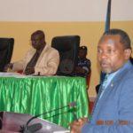 Le ministre de l'éducation répond aux questions orales des Sénateurs