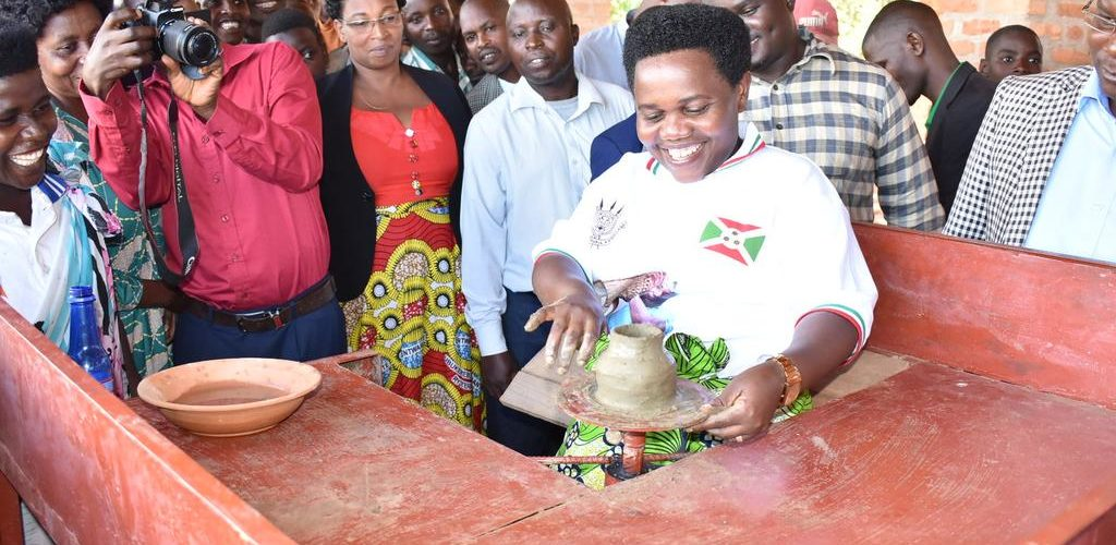 BURUNDI : Visite des infrastructures de poterie moderne de KIGAMBA à GISURU / RUYIGI