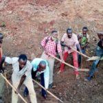 BURUNDI : TRAVAUX DE DEVELOPPEMENT COMMUNAUTAIRE  - Réparer une route sur la colline RUKONWE à MABANDA, MAKAMBA