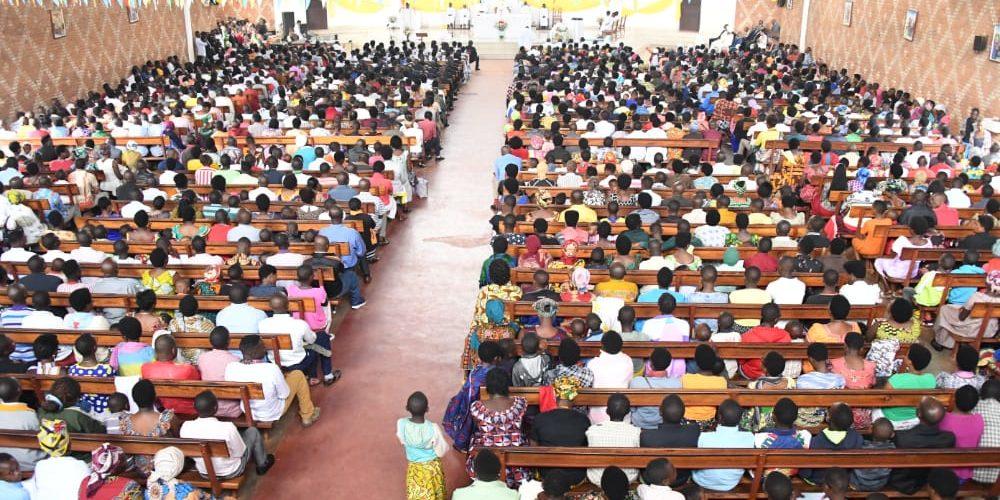 BURUNDI : Un dimanche à la paroisse Saint François d'Assise de MAGARAMA / GITEGA