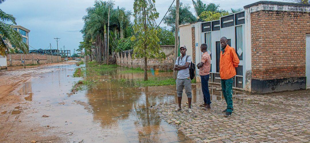 BURUNDI : La montée spectaculaire des eaux du TANGANYIKA inquiète / BUJUMBURA
