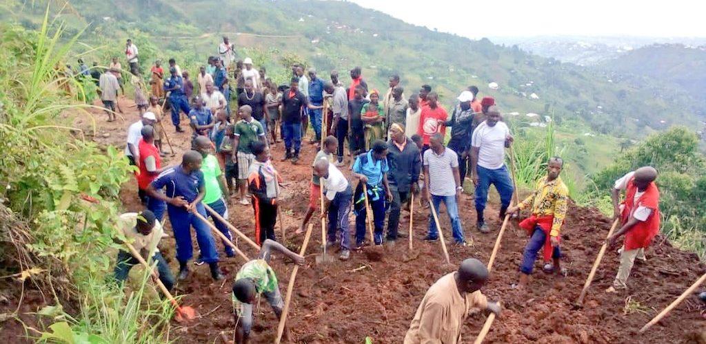 BURUNDI : TRAVAUX DE DEVELOPPEMENT COMMUNAUTAIRE – Tracer une route désenclavant les collines avoisinantes à MUHUTA, RUMONGE
