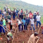 BURUNDI : TRAVAUX DE DEVELOPPEMENT COMMUNAUTAIRE - Tracer une route désenclavant les collines avoisinantes à MUHUTA, RUMONGE