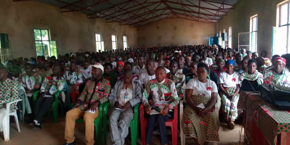 BURUNDI : Le CNDD-FDD NGOZI organise une réunion en zone RUHORORO