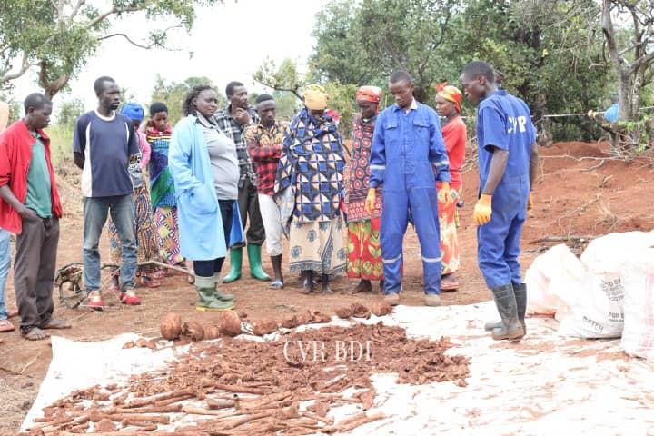 GENOCIDE CONTRE LES HUTU DU BURUNDI EN 1972 : Les réfugiés HCR du RWANDA de 1959 utilisés pour massacrer à MUYINGA