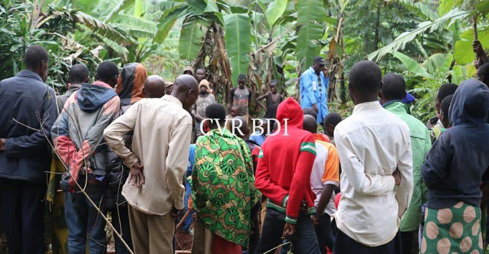 GENOCIDE CONTRE LES HUTU DU BURUNDI EN 1972 : Des corps exhumés de 9 fosses communes à GASURA, VUMBI / KIRUNDO