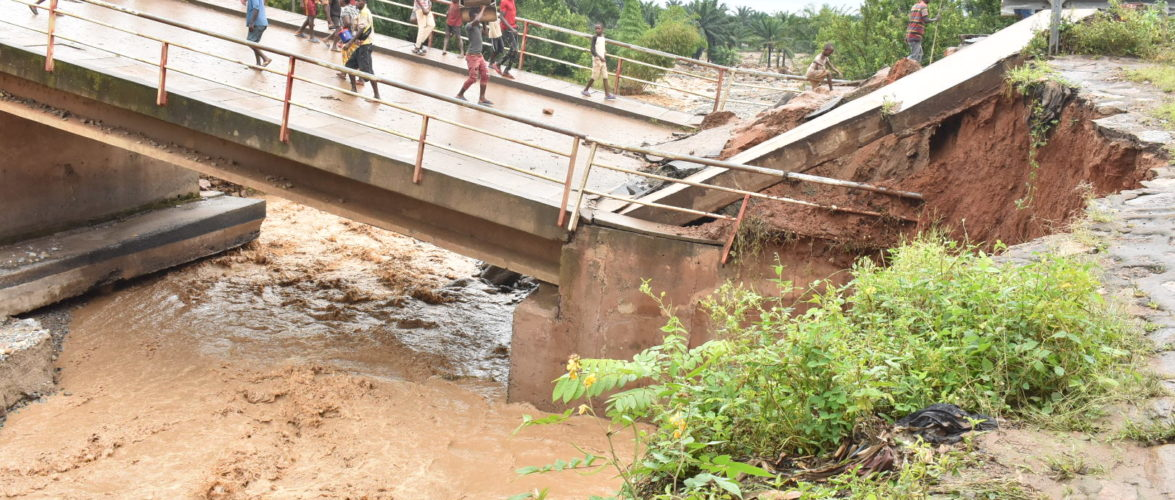 BURUNDI : Un pont s'est effondré sur la rivière KIRASA