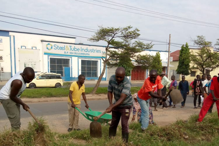 BURUNDI : TRAVAUX DE DEVELOPPEMENT COMMUNAUTAIRE – Autour du Boulevard NDADAYE Melchior / BUJUMBURA MAIRIE