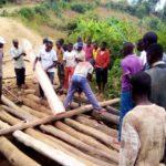 BURUNDI :  TRAVAUX DE DEVELOPPEMENT COMMUNAUTAIRE - Un pont au dessus de la rivière KIBENGA à RABIRO / MAKAMBA