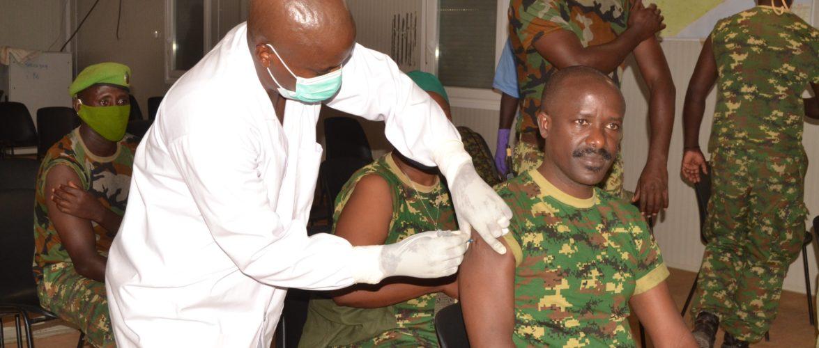 BURUNDI : Des militaires FDNB vaccinés contre la COVID19 à L'AMISOM / SOMALIE