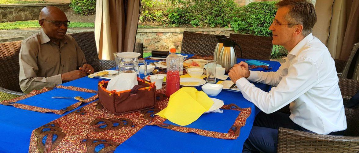 BURUNDI : L' Ambassadeur ALLEMAND rencontre l'opposant RWASA,Président du CNL