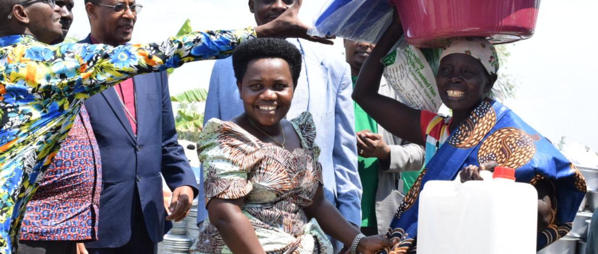 BURUNDI : Aide à 886 familles du site KINYINYA II à GATUMBA / BUJUMBURA