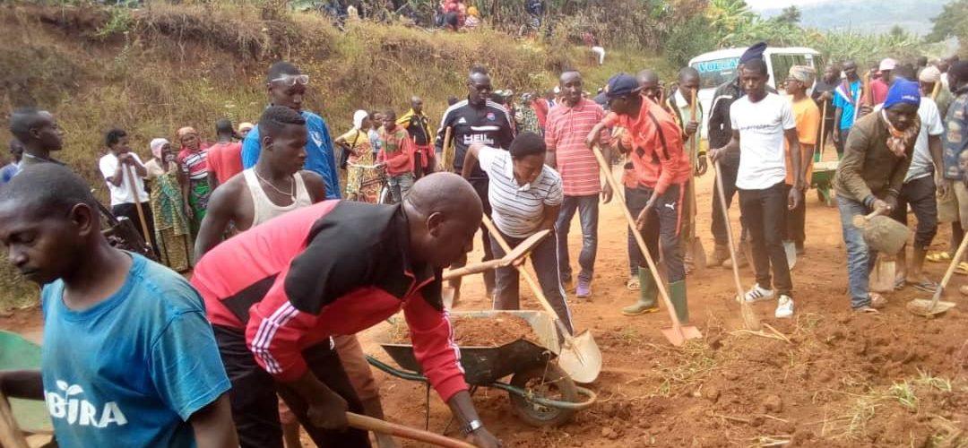 BURUNDI : TRAVAUX DE DEVELOPPEMENT COMMUNAUTAIRE – Entretien de la RN1 en Colline BUSANGANA à BUKEYE / MURAMVYA