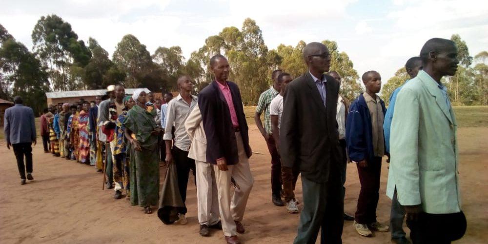 BURUNDI : CNDD-FDD MWARO accueille de nombreux ex – CNL à GISOZI