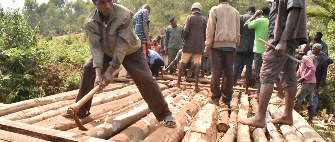 BURUNDI : TRAVAUX DE DEVELOPPEMENT COMMUNAUTAIRE – Réhabiliter un pont détruit sur la rivière KAYOKWE / NGOZI