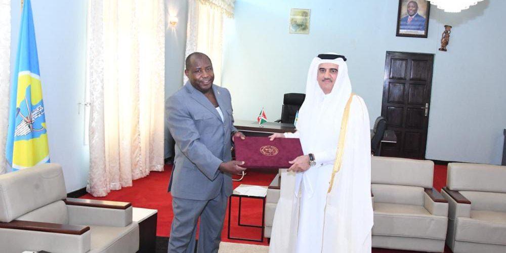 Deux ambassadeurs présentent leurs lettres de créance au Chef de l'Etat