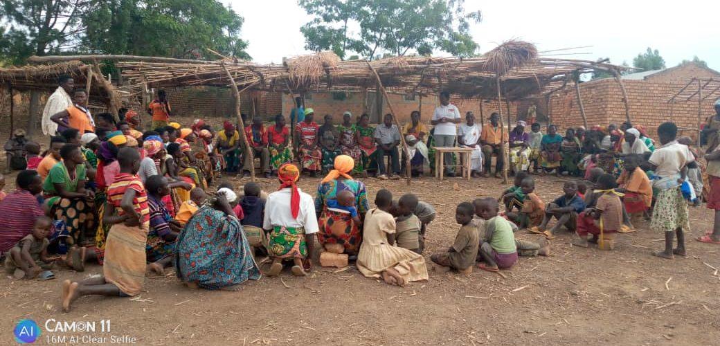BURUNDI : Les BAKENYERERARUGAMBA de MPINGA-KAYOVE en réunion en zone MUGONDO / RUTANA