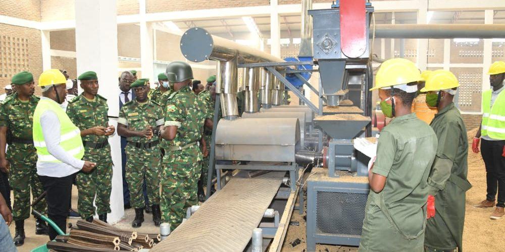 BURUNDI : Inauguration d'une usine de fabrication de briquettes sèches gérée par LA FDNB / BUBANZA