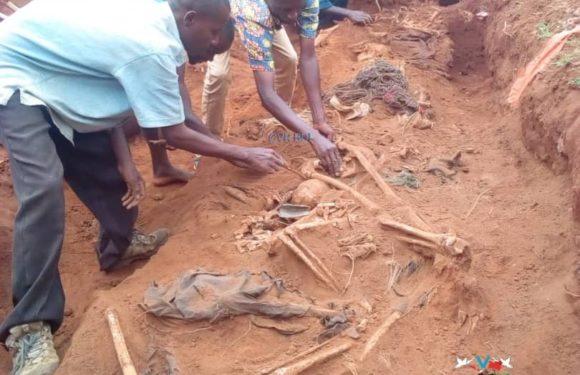 GENOCIDE CONTRE LES BAHUTU DU BURUNDI DE 1972 : 1 fosse commune à MABANDA près de la TANZANIE / MAKAMBA
