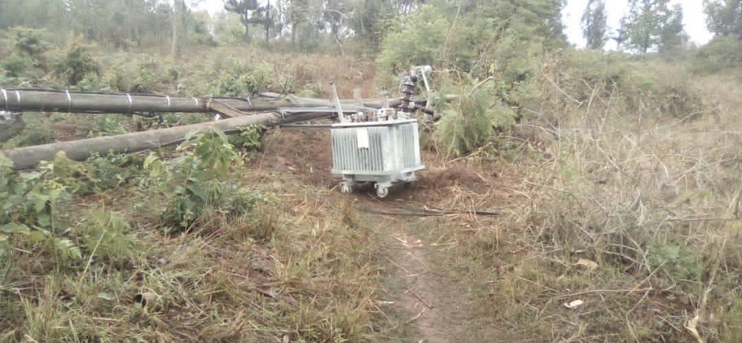 BURUNDI : Une forte pluie détruit 25 maisons et des poteaux électriques à MAKAMBA