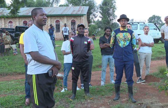 BURUNDI : Des jeunes Néerlandais visitent le secteur café à BUHIGA / KARUSI