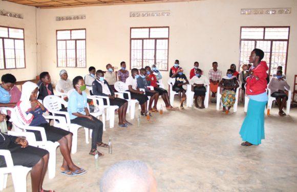 BURUNDI : Réunion des filles de la zone RUSHUBI à ISARE / BUJUMBURA