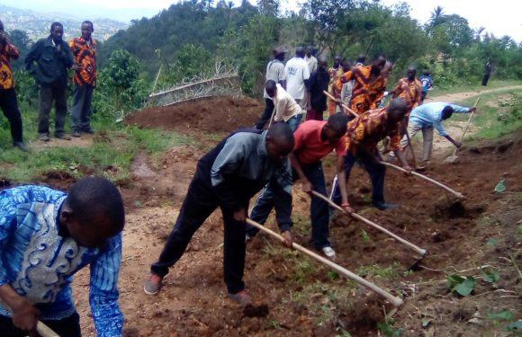 BURUNDI : TRAVAUX DE DEVELOPPEMENT COMMUNAUTAIRE – Entretien de la piste BUHURIKA et BUKINGA à MUSIGATI / BUBANZA